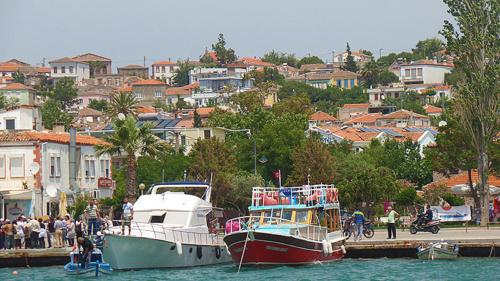 Am Hafen der Halbinsel Cunda